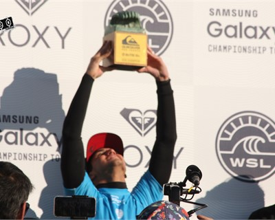 Medina and Tyler do it again in Hossegor...