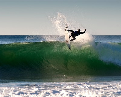 J Bay Returns to WCT for 2014